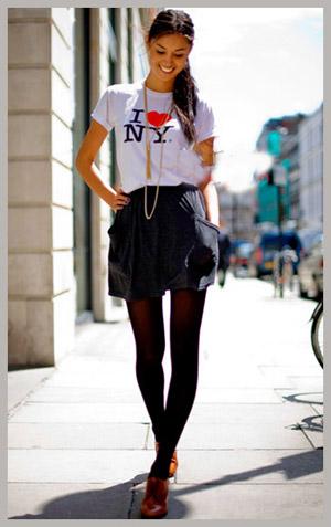 半身裙搭配运动鞋更加