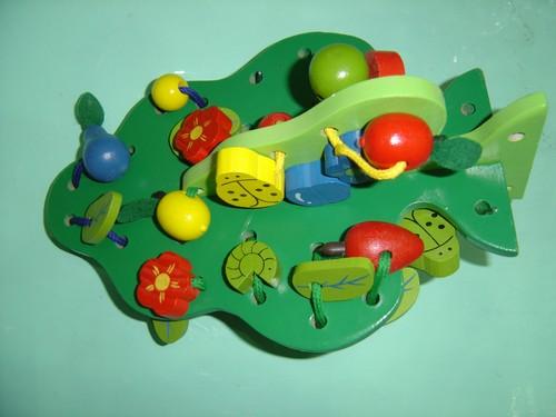 玩具市场亟待规范-益智玩具
