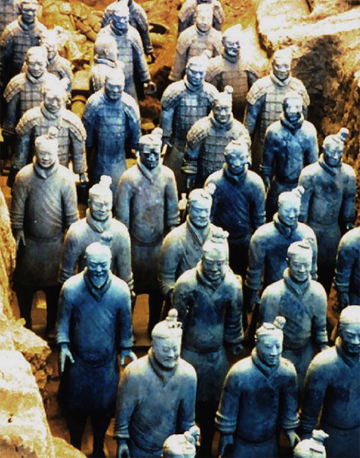 秦始皇兵马桶坑是秦始皇陵的陪葬坑,位于陵园东侧l 500米处.