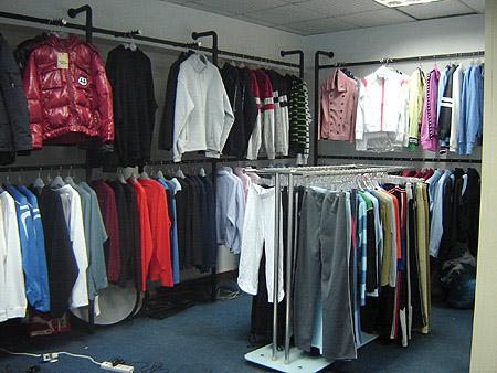外贸服装店装仹f�x�_外贸服装的这几个卖点扎眼便宜吸引的都是女人,而且30岁以上
