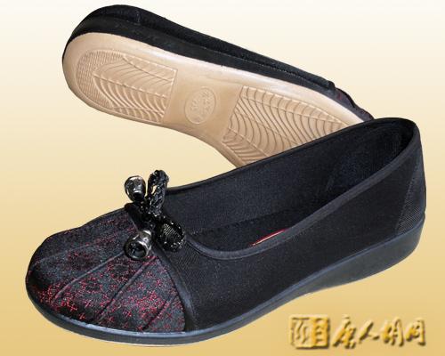 ...布鞋品牌除了传统经典布鞋、时尚绣花布鞋、珠绣布鞋、水晶钻...