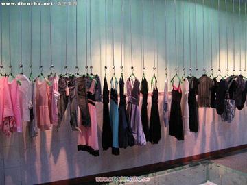 韩国品牌服装店加盟_韩国东大门新款女衫服装店加盟T恤H0925M