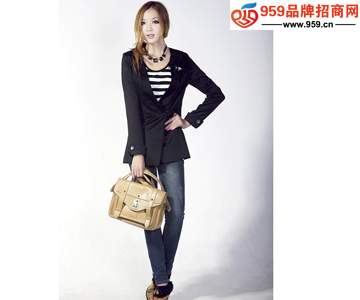 韩国品牌服装店加盟_开什么加盟店赚钱韩国服装品牌加盟不错的选择