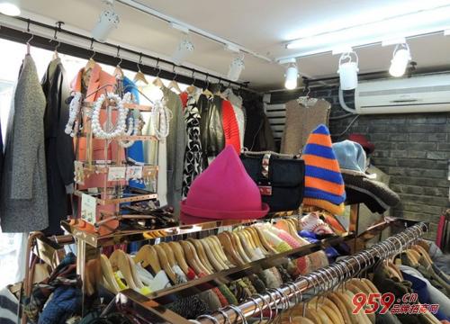 女性返乡创业开女装店赚钱吗?加盟品牌女装店大获成功