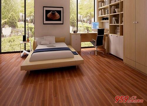 实木地板加盟哪家好?创业做实木地板生意怎么选品牌?