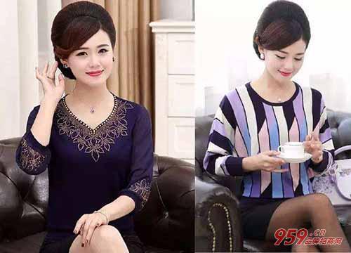 """这位模特叫安天天,因为拍摄的大多都是中老年服装,中国网友叫她""""天天"""