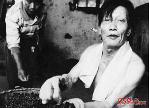 傻子瓜子创始人 中国第一商贩丨年广九创业传奇
