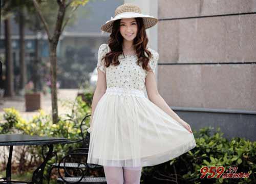 乡镇开韩版女装专卖店赚钱吗?开韩版女装专卖店如何提高销量?