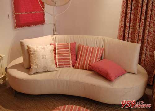 创业加盟布艺沙发行业前景怎么样?布艺沙发有哪些优点?