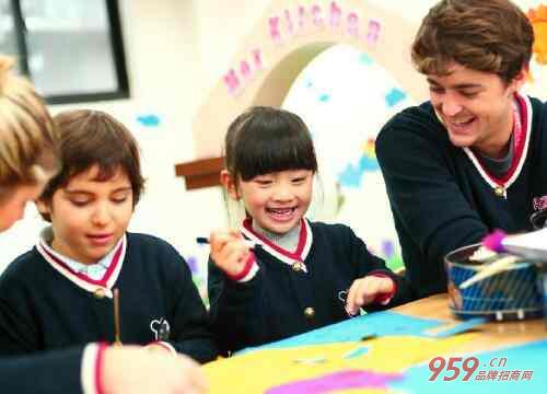 少儿英语培训哪家好?新手创业开英语培训班有什么条件?
