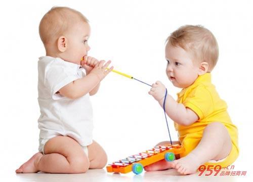 现在开一家婴幼儿服装加盟店怎么样?如何才能提高连带销售?