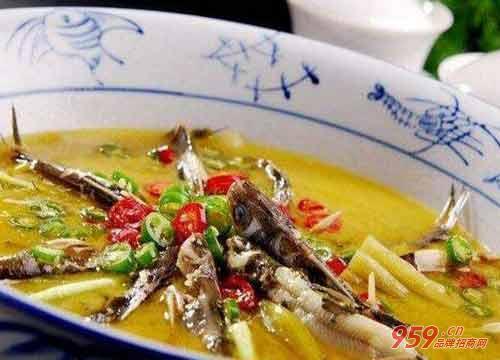 椒颜酸菜小鱼