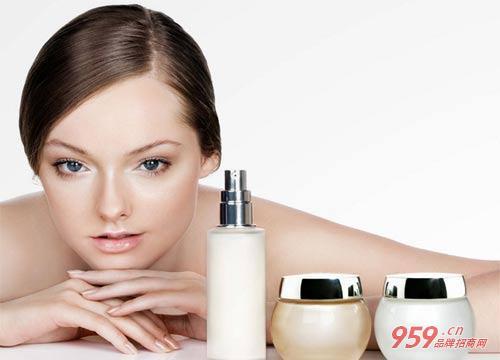 女人三十岁创业开药妆加盟店如何才能成功?