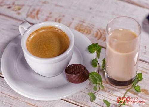 开奶茶加盟店赚钱吗?开奶茶加盟店利润如何?