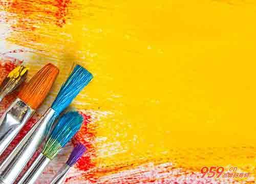 女性创业适合做什么?80后女孩一支画笔成功创业