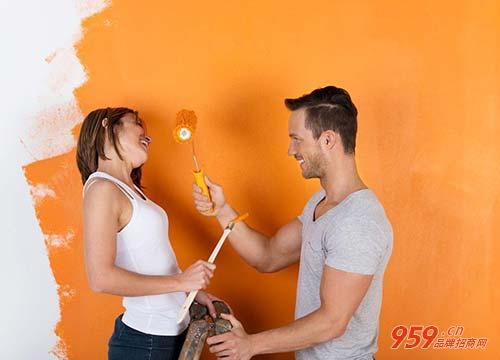 目前什么行业赚钱?做油漆涂料加盟生意赚钱吗?