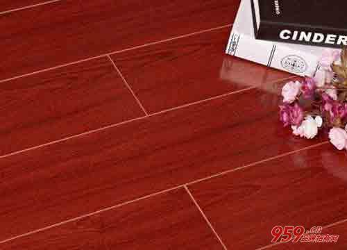 10万元创业项目有哪些?10万元能开实木地板专卖店吗?