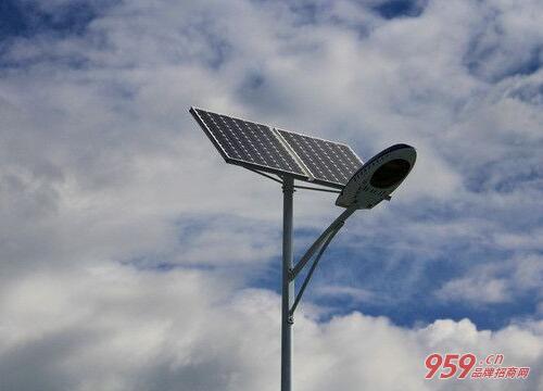 太阳能路灯生产厂家有哪些?哪家便宜?