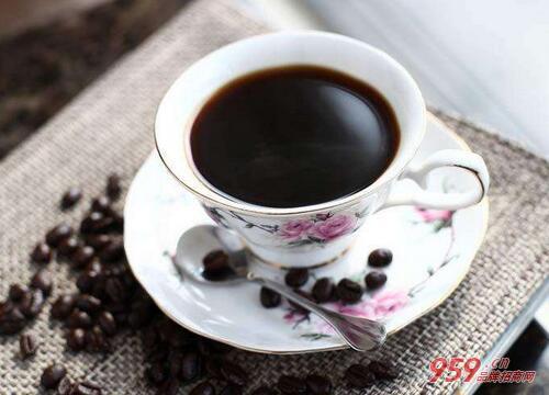 蓝山咖啡加盟费贵吗?蓝山咖啡加盟多久回本?