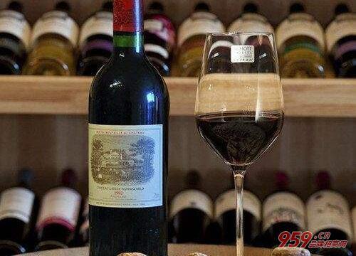 最新正品82年拉菲红酒价格-82年拉菲多少钱?