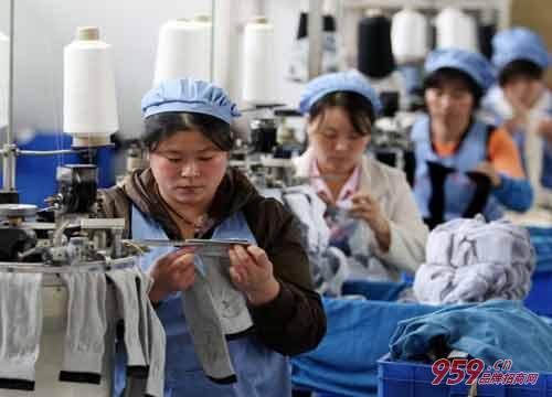 开袜子加工厂需要投资多少钱?后期收益怎么样?