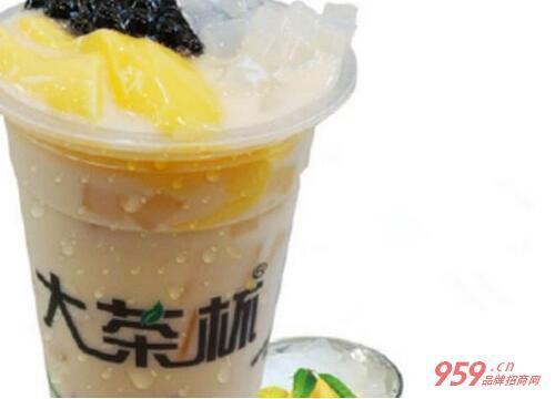 大茶杯奶茶店加盟