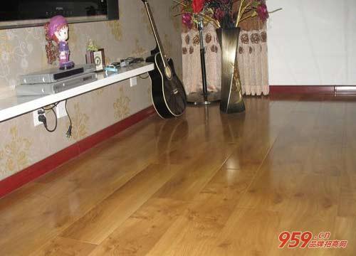 奔腾石墨烯自热地板 高效采暖节能更环保