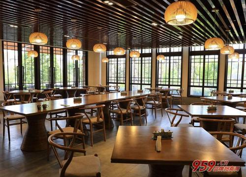 龙茶坊茶餐厅