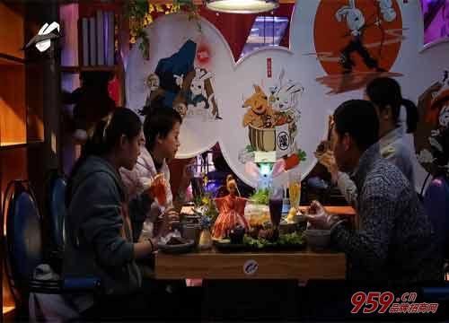 开兔入江湖兔元素主题餐厅生意怎样?4大招牌 新老顾客络绎不绝!