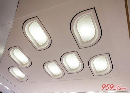 阳光照明灯具代理