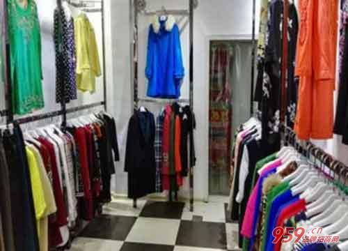 如何成功开家曼天雨品牌折扣店?开店步骤是什么?