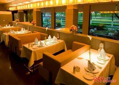 开西餐厅赚钱吗?如何开一家西餐厅?
