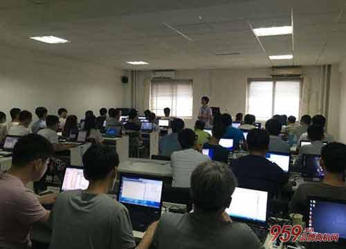 IT教育培训机构发展前景怎么样?IT教育培训机构怎么选址?