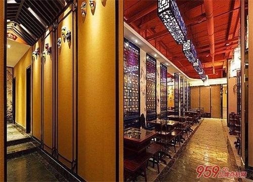 开特色餐饮店在哪些地段开比较好?