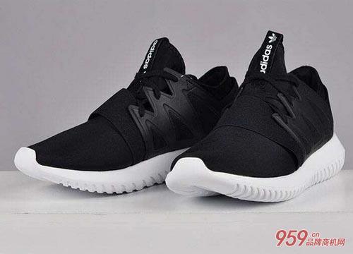 阿迪达斯运动鞋专卖店