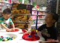 怎样开好玩具连锁店?当玩具店经营惨淡时如何吸引顾客?
