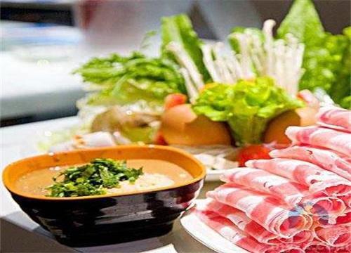 开火锅店怎么搭配荤素做套餐更赚钱?