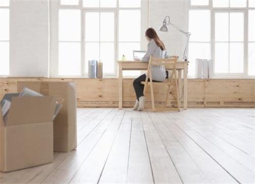 地板胶的成本