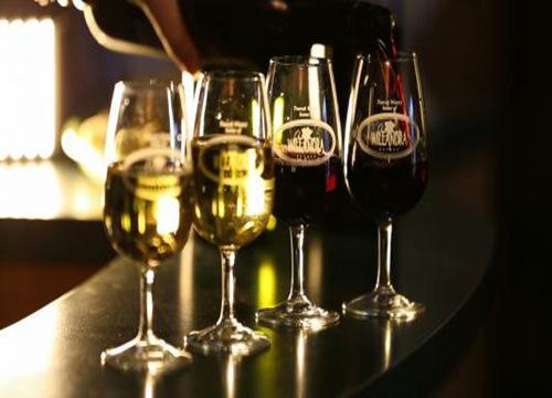 华鼎葡萄酒
