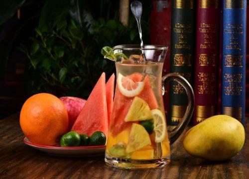 做冷饮生意怎么样_今年做冷饮生意加盟水果茶好不好?