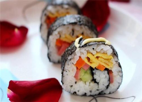 【金三顺紫菜包饭加盟费多少】金三顺紫菜包饭加盟费一共多少?加盟条件有哪些?