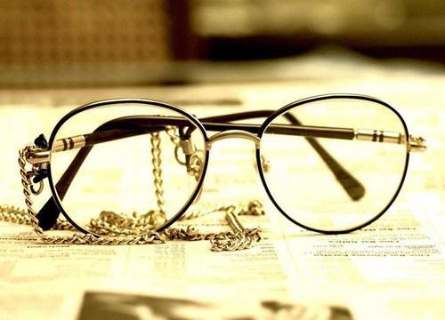 [代理路易迪奥眼镜店一年能赚多少钱]代理路易迪奥眼镜店一年能赚多少钱?