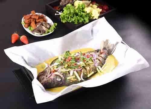 泰烧纸上烤鱼