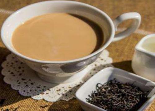 今年投资奶茶生意哪家前景好?黑羊社茶饮加盟优势多多!