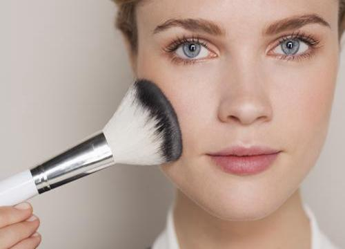 长沙新时代美容美发化妆培训学校|菲菲美容美发化妆培训学校怎么加盟?费用高不吗?