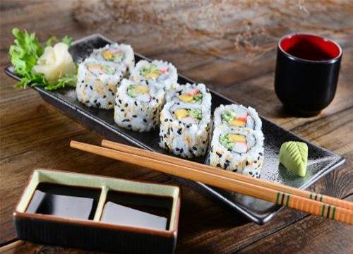 【寿司小吃车】嘿店寿司小吃值得加盟吗?项目合作优势有哪些?