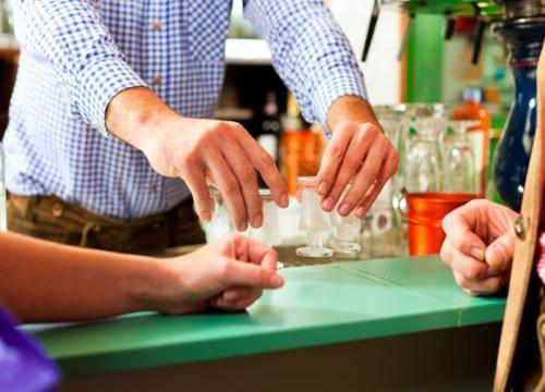 小本投资加盟项目好|小本投资加盟项目 投资国五液白酒开启你的小本创业之旅