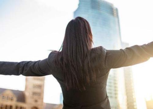 已婚女性创业 如何调节与家庭的关系?