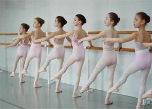 [开舞蹈工作室赚钱吗]开舞蹈培训班赚钱吗 有哪些证件手续需要办理