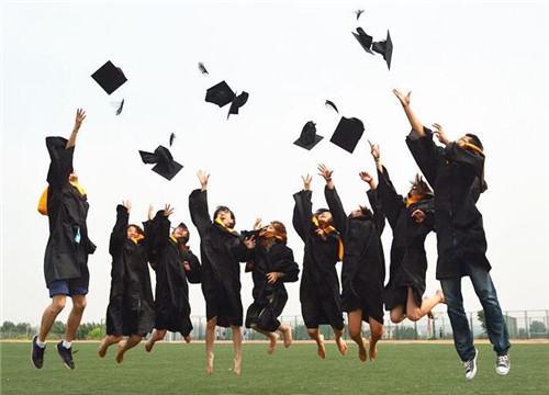 大学生创业